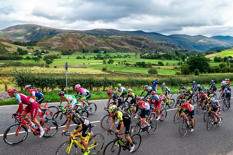 OVO Energy Tour of Britain - Stage 6: Barrow-in-Furness to Whinlatter - The peloton in action near Keswick. Picture by Alex Whitehead/SWpix.com