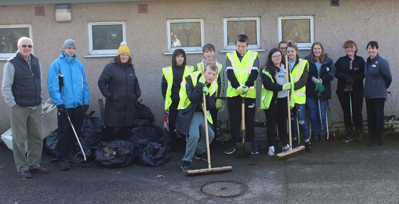 Pupils from the Energy Coast UTC join volunteers at the community litter-pick
