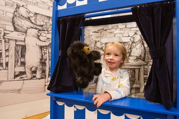 Playing with the Three Bears at Keswick Museum
