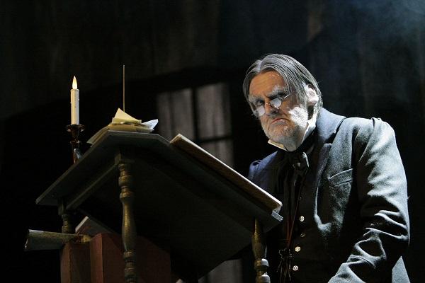 Peter Macqueen stars in Scrooge Diaries
