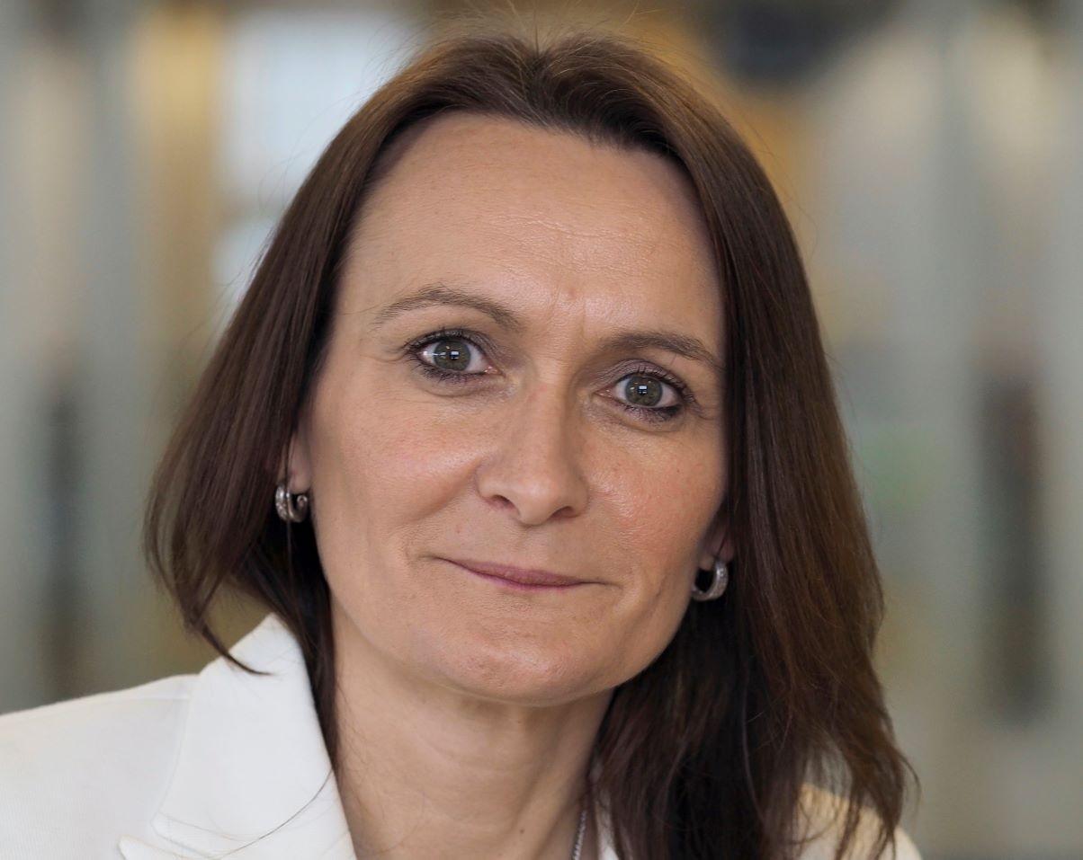 Prof Julie Mennell