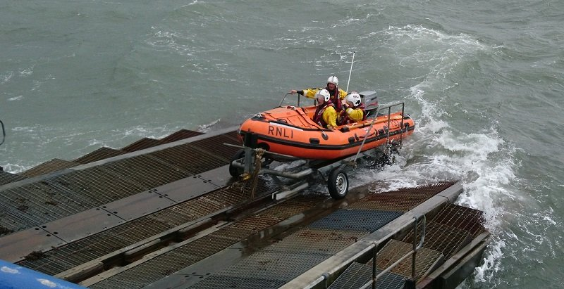 """""""Vision of Tamworth"""" returning to the lifeboat station after the call"""