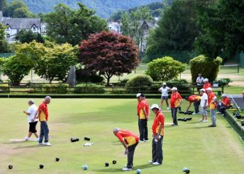 Fitz Park and Keswick provide a magnificent backdrop for bowling.