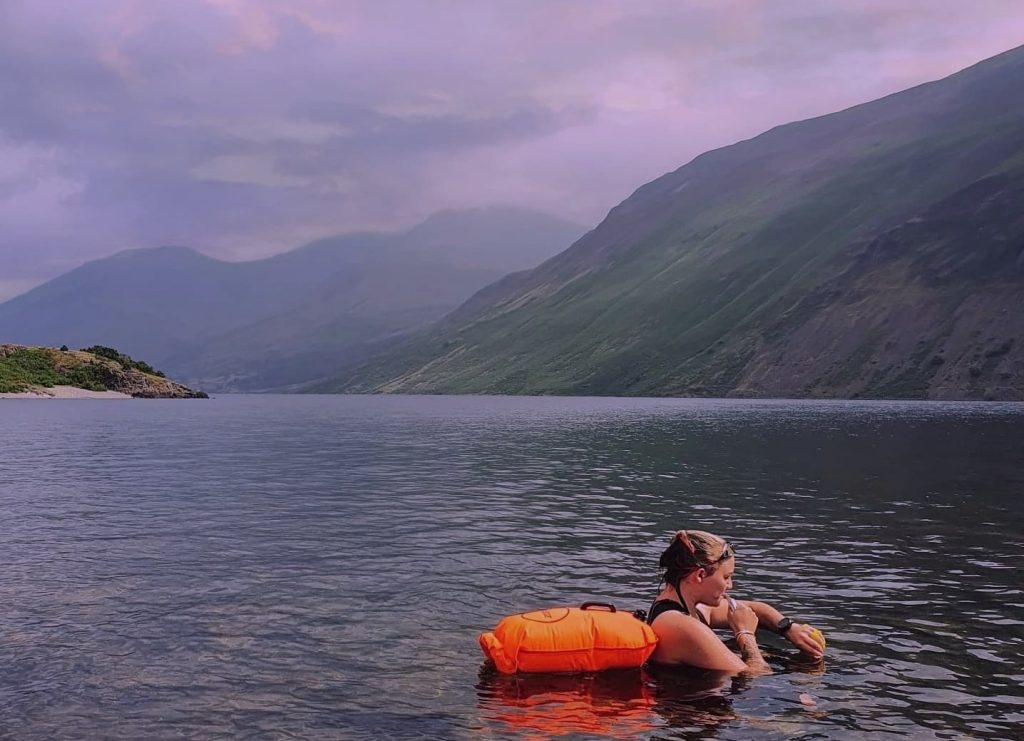 A mum is swimming 12 of the toughest lakes in the Lake District from end to end after being inspired by losing close friends to suicide.