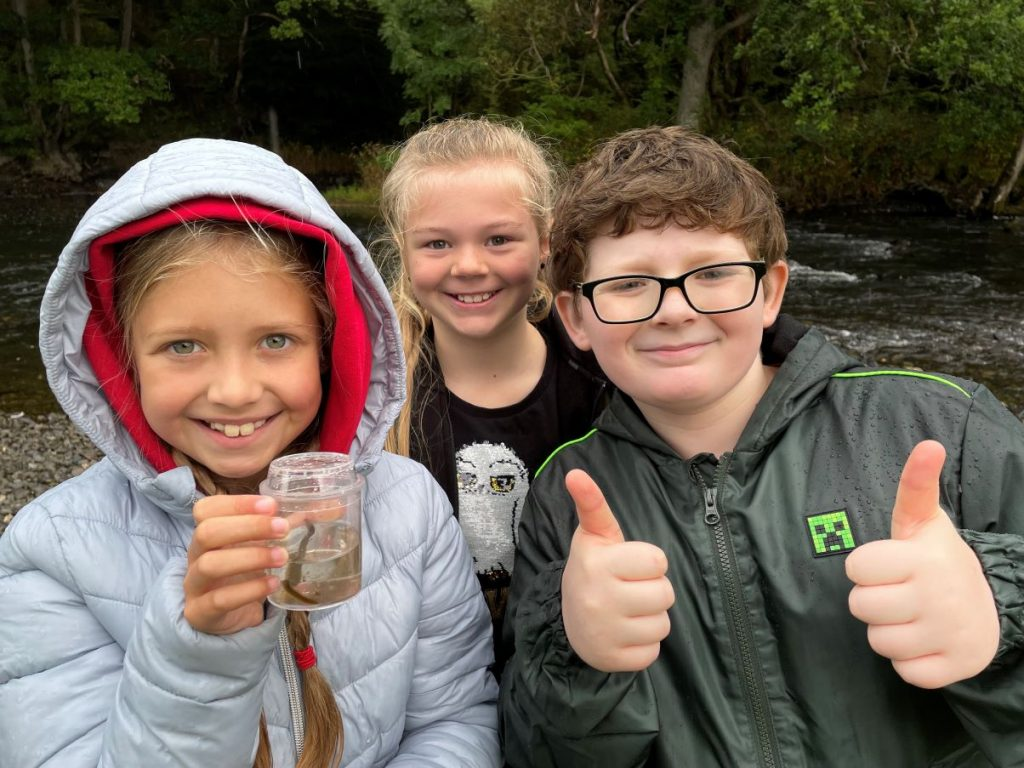 River dipping 2 (credit Ashfield Junior School)