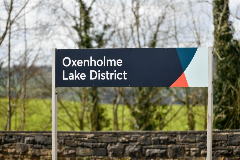 Oxenholme station sign