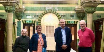 (L-R) Emma Desborough-Hartley, Judith Yeates, John Stevenson MP and Steve Yeates